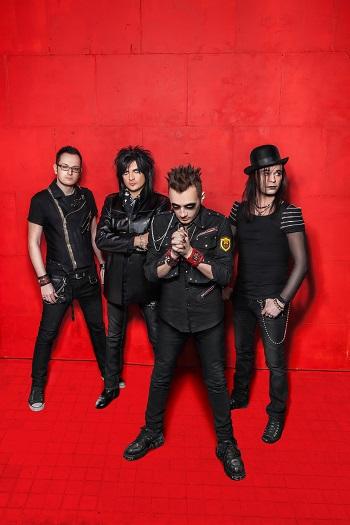 Глеб Самойлов и THE MATRIXX выпустили трейлер к альбому «Резня в Асбесте»
