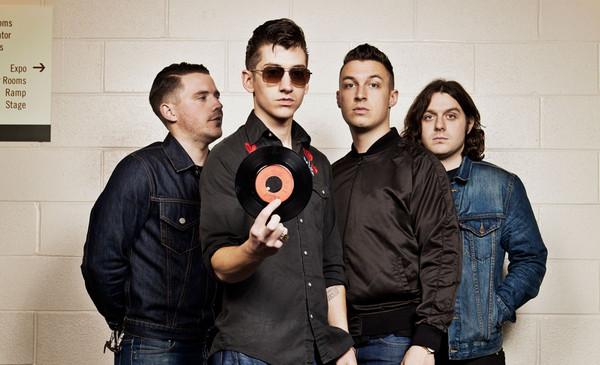 Arctic Monkeys были признаны «лучшей британской группой».